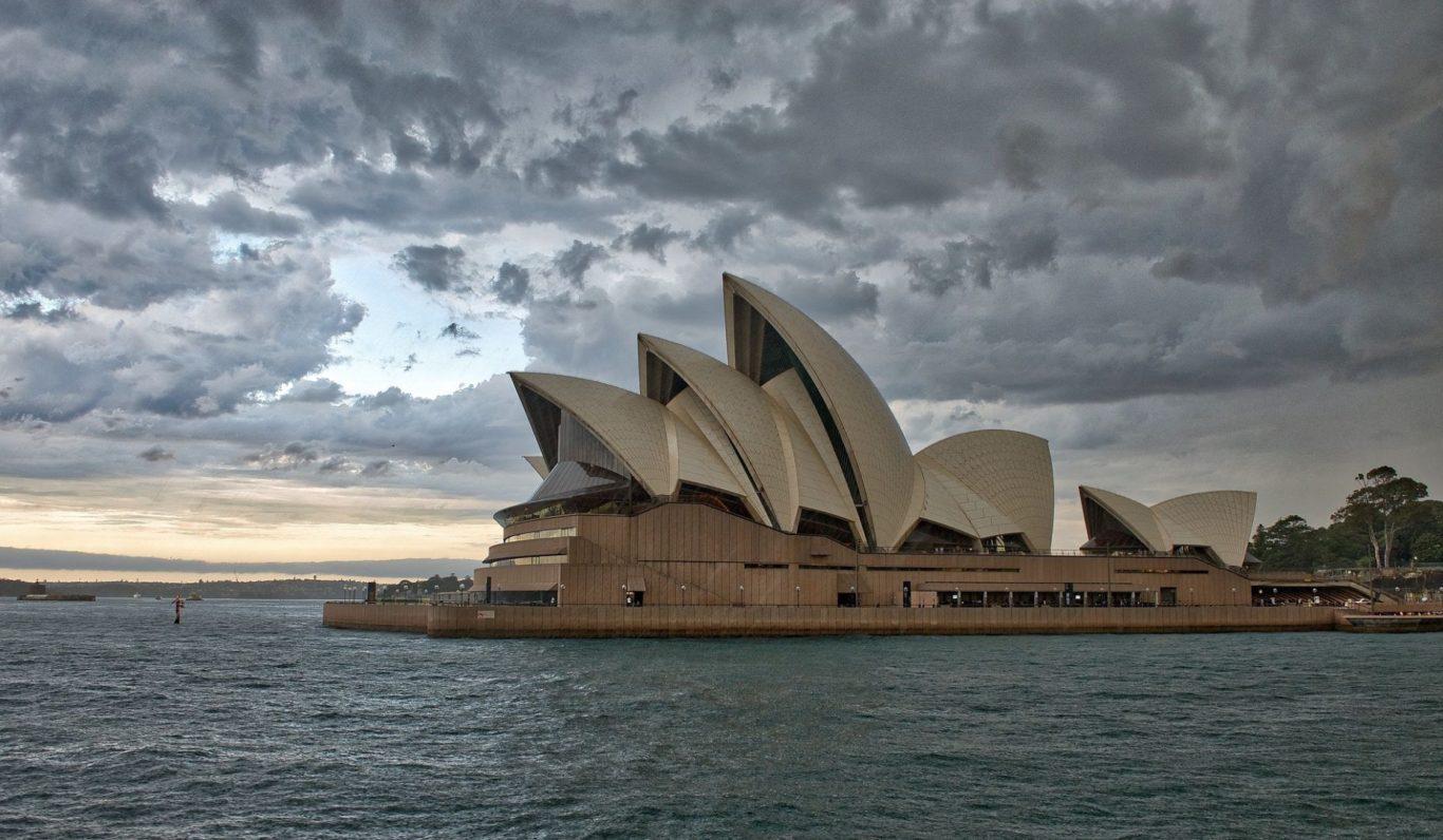 Władze Australii przyjęły ostrą politykę, która zdaniem premiera Tonyego.